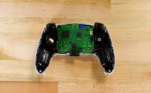 iFixit PS5 controller teardown picture