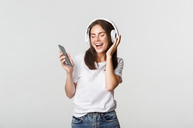 Wireless Headphones 1