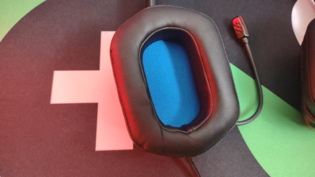 philips headset mic and inside earcup